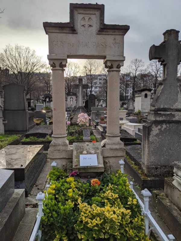 モンパルナス墓地 ギ・ド・モーパッサンの墓