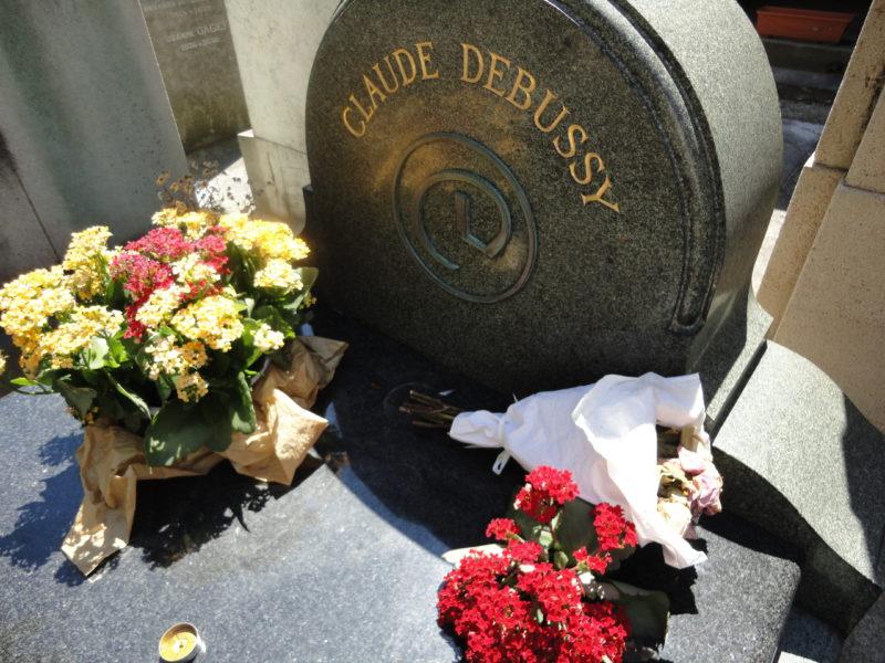 パッシー墓地 ドビュッシーの墓