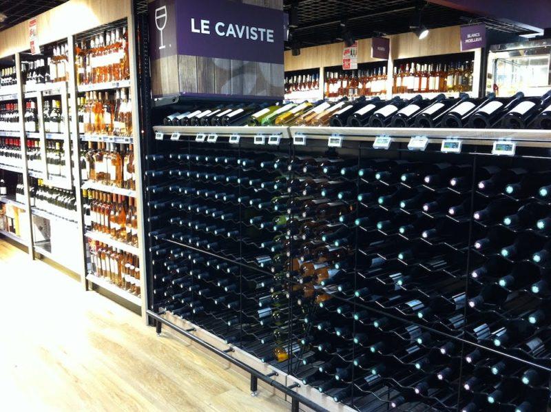 パリのスーパーマーケット ワイン