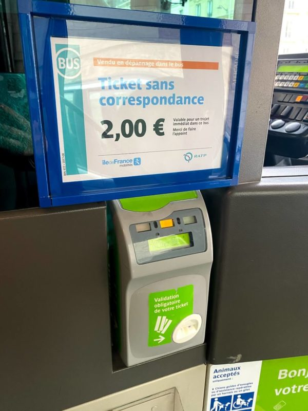 パリのバスの切符刻印