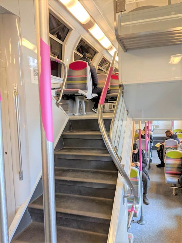 RERの車内は2階建てでかっこいい!