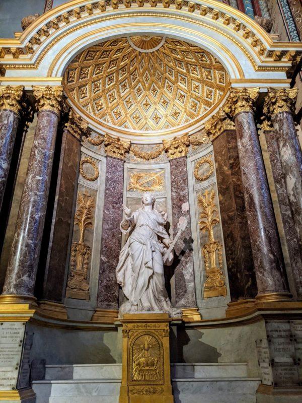 聖マーガレットの像