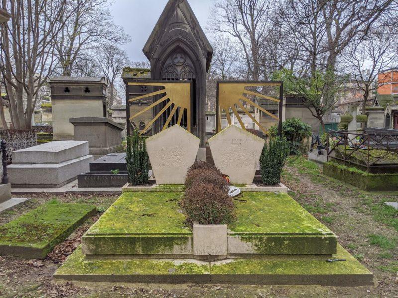 モンマルトル墓地 個性的な墓石