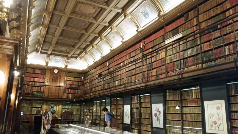 シャンティイ城の図書館 Cabinet des Livres