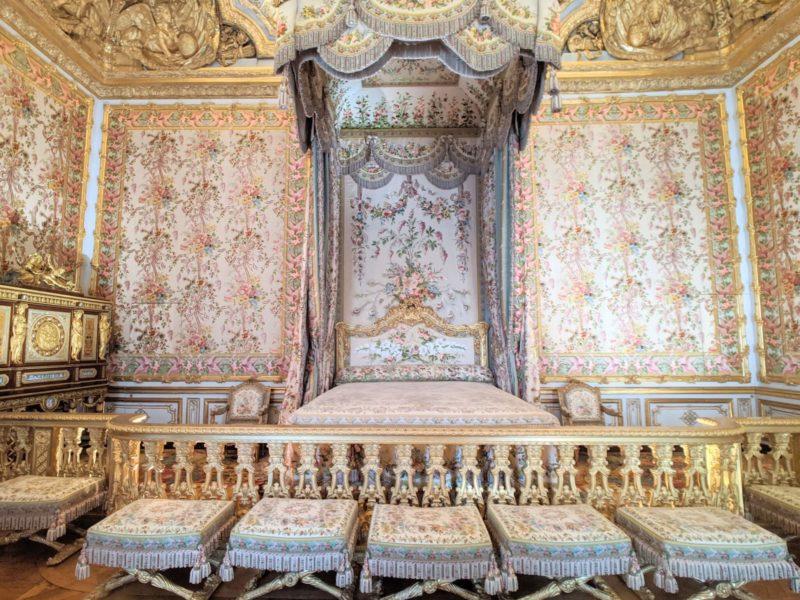 ヴェルサイユ宮殿マリーアントワネットの寝室(王妃の大居室)