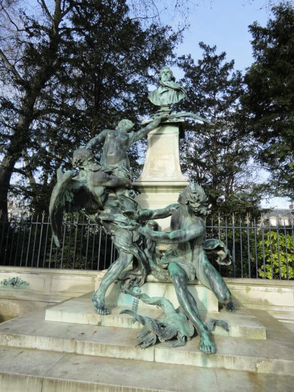 リュクサンブール公園のドラクロワの像