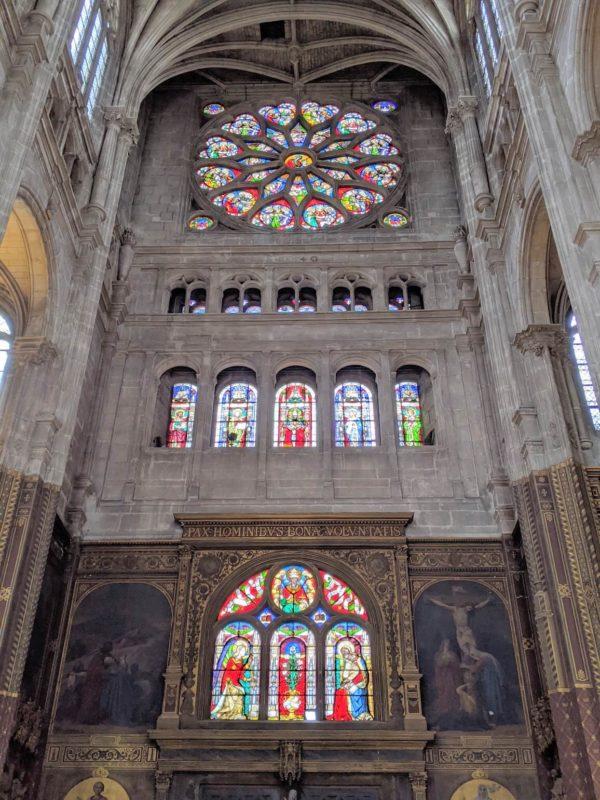 サントゥスタッシュ教会 美しいステンドグラス