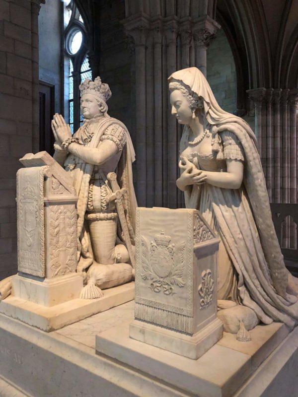 サンドニ大聖堂 ルイ16世と王妃マリー・アントワネットの像