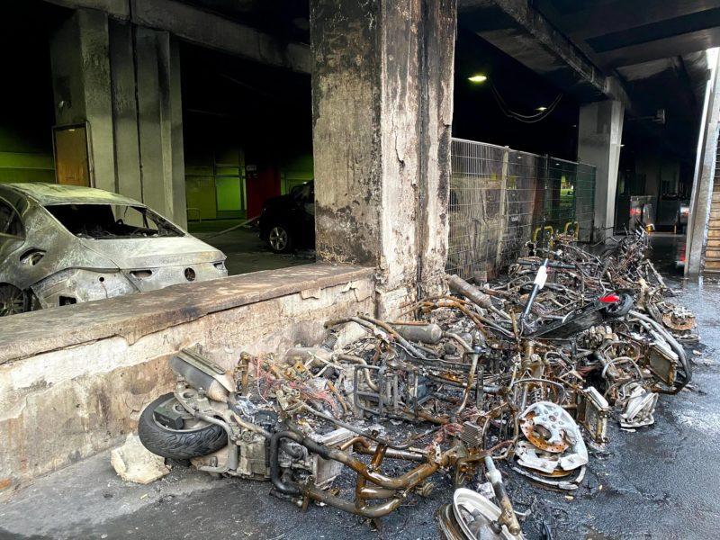 リヨン駅で起きたデモによる過激派の焼き撃ち